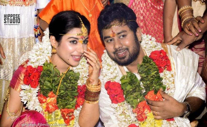 Satna Titus Karthik Marriage Stills Photos Filmibeat