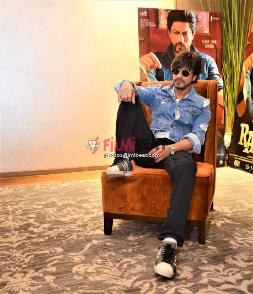 Shahrukh Khan Promotes Raees In Ahmedabad
