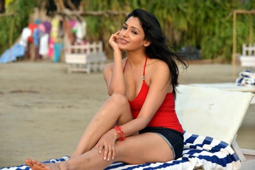 Kesha Khambhati Glam Photos
