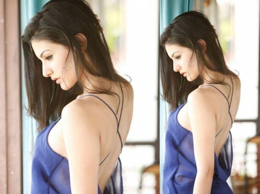 Amyra Dastur Hot Pics Photos