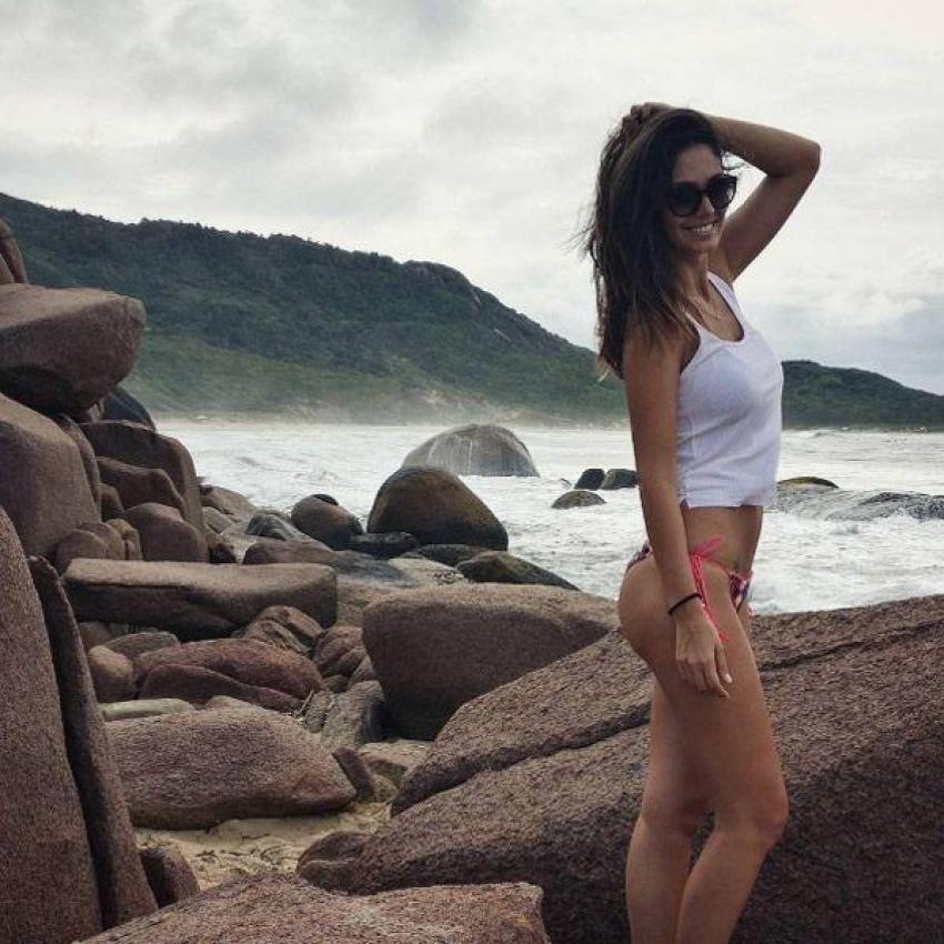 Bruna Abdullah Hot Photos
