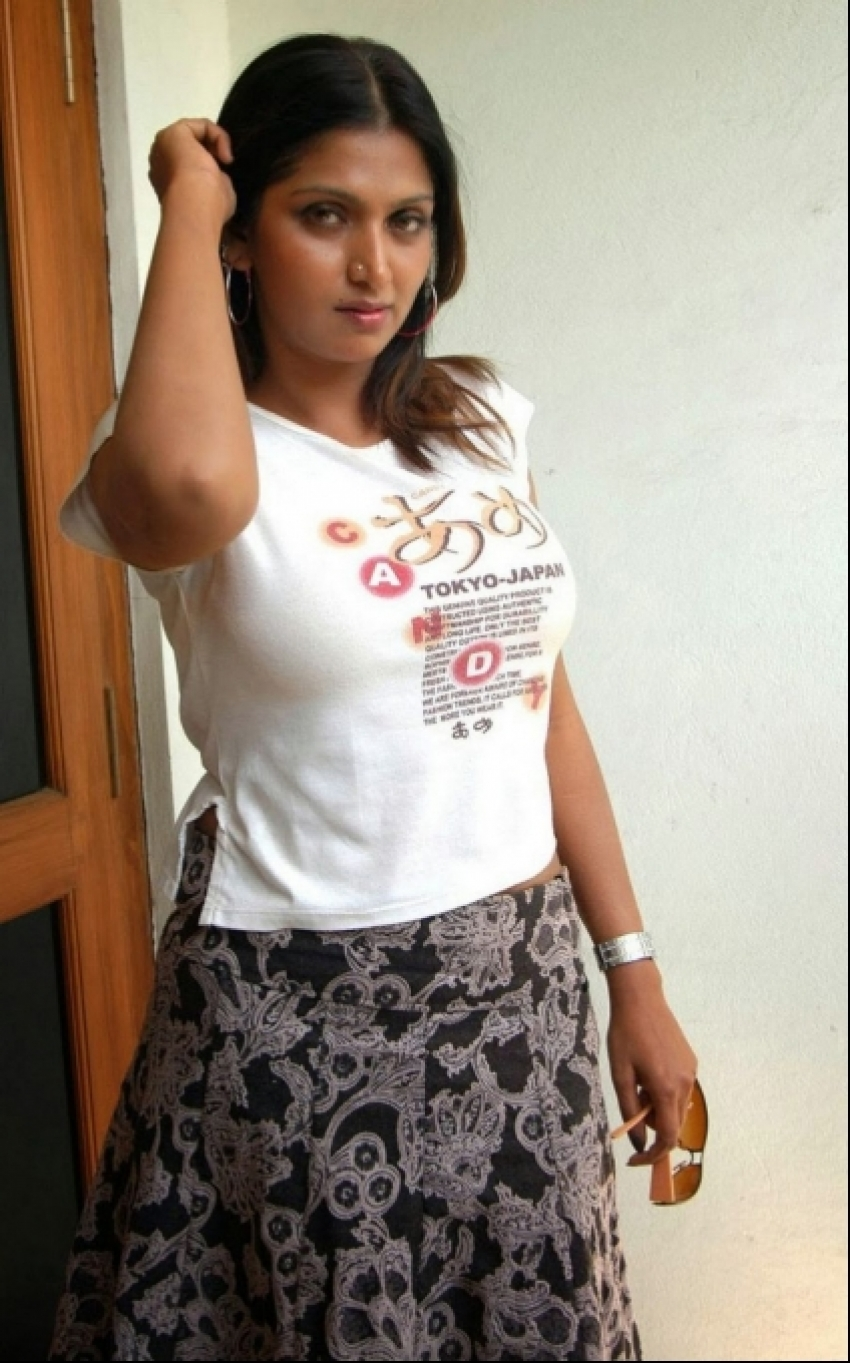 Mallu Actress Bhuvaneswari Hot Pics Photos