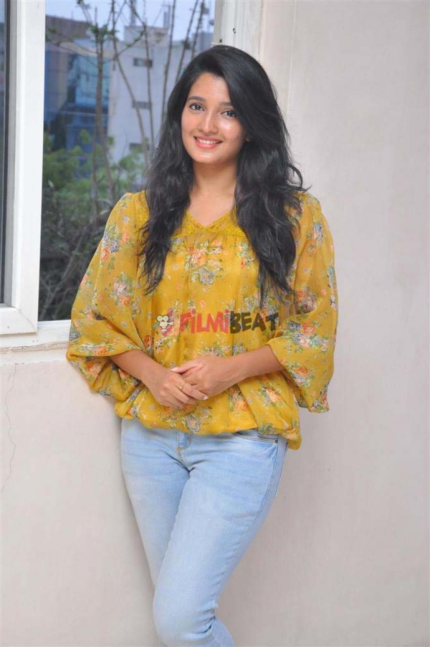 Deepti Shetty Photos