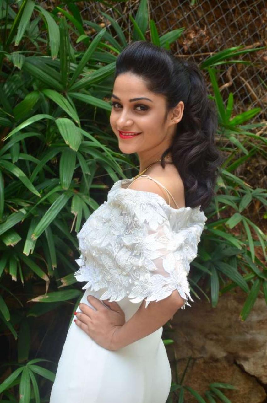 Divya Nandini Photos