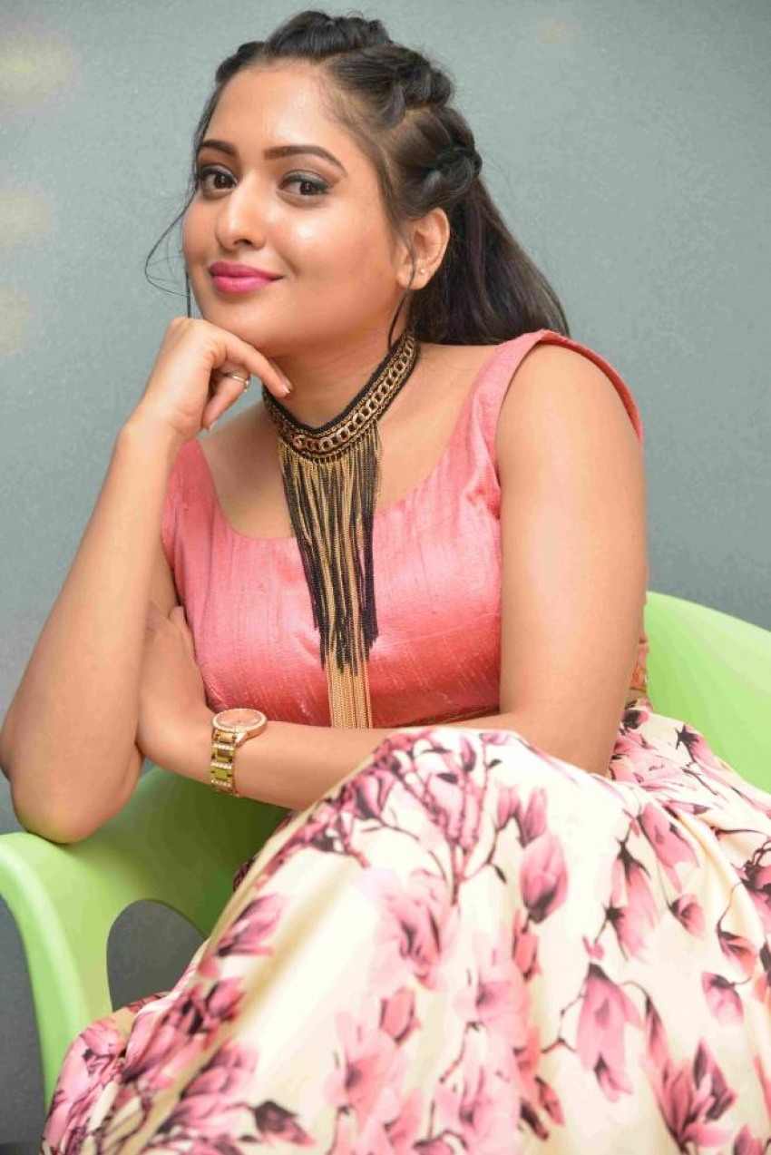 Sukrutha Deshpande Photos