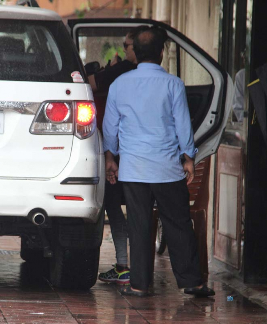 Amrita Arora & Kareena Kapoor Spotted After Workout Session In Bandra Photos