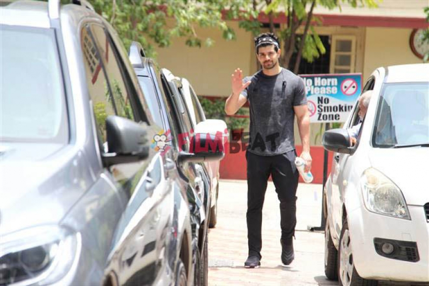 Celebs Snapped At Bandra Gym Photos