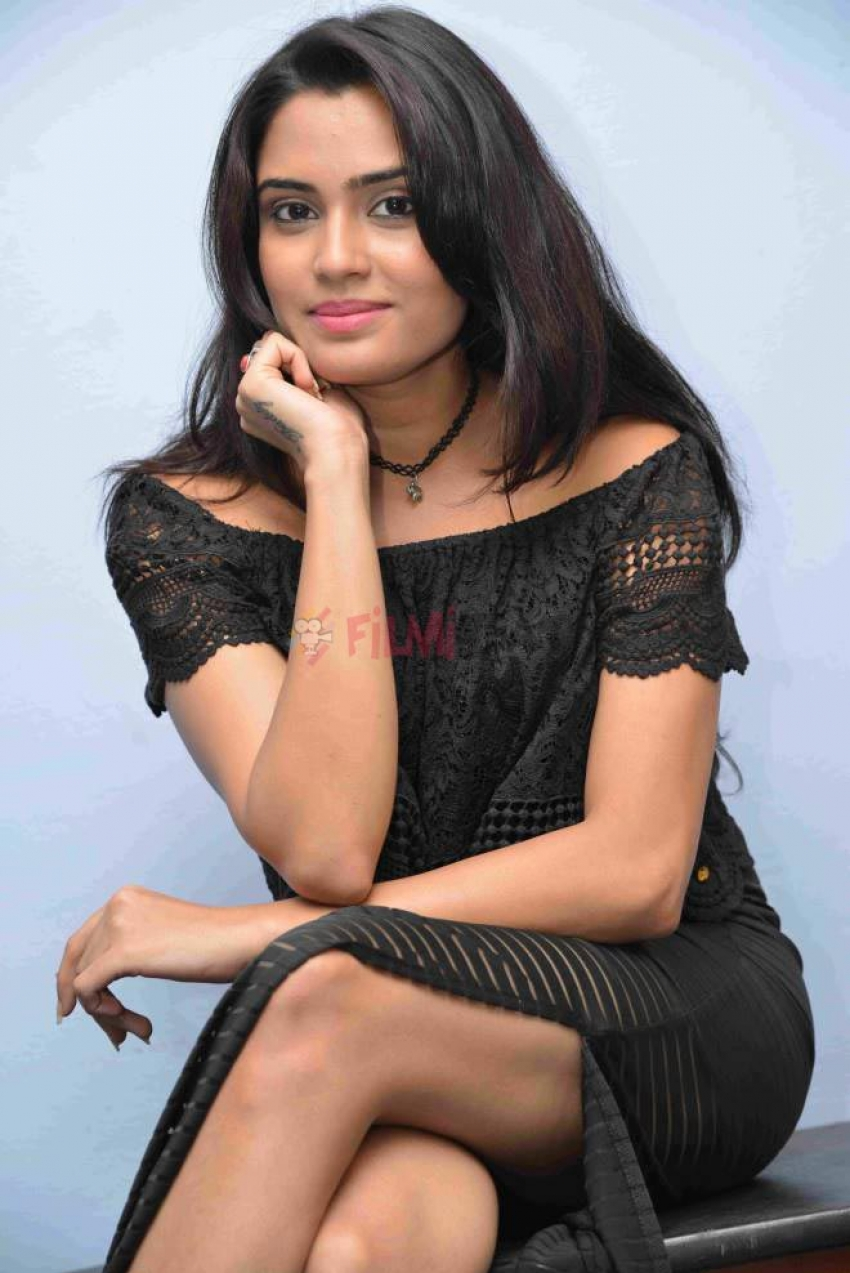 Sangeetha Bhat Photos