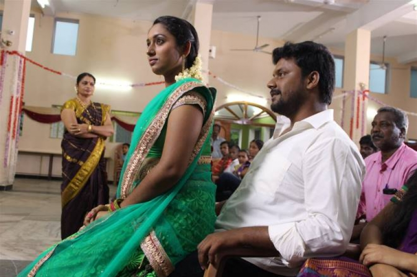 Engada Iruntheenga Ivvalavu Naala Photos