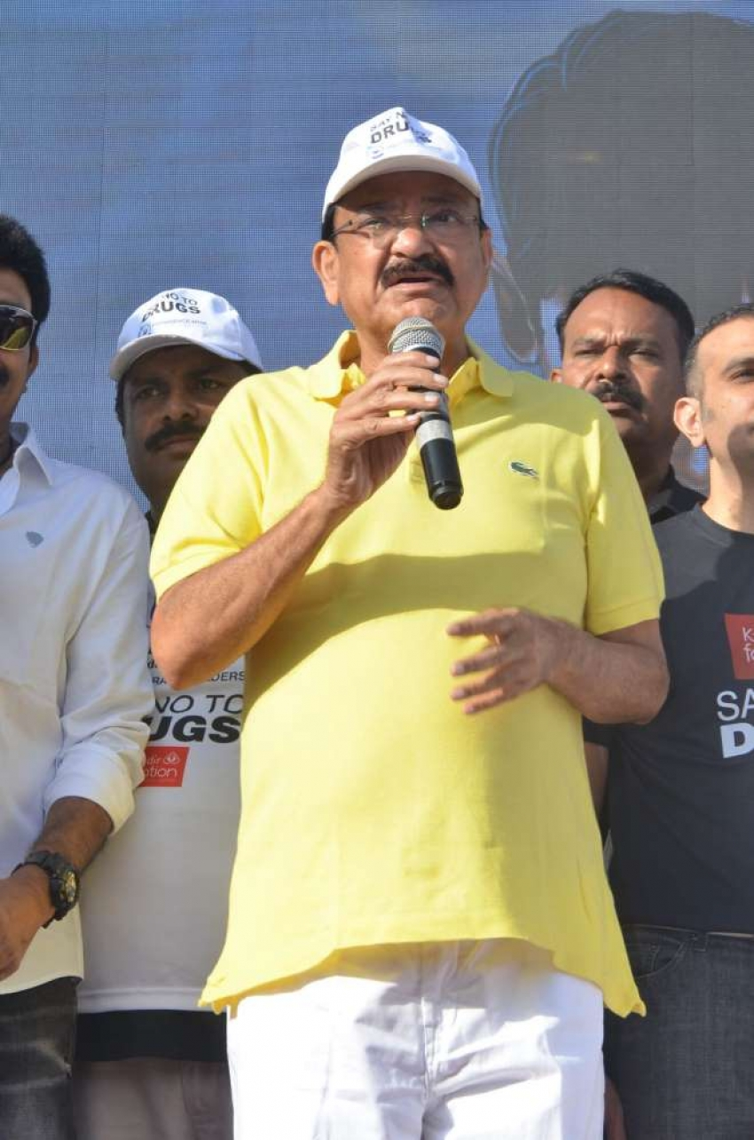 Celebs at Kalamandir Foundation Anti Drug Walk Photos