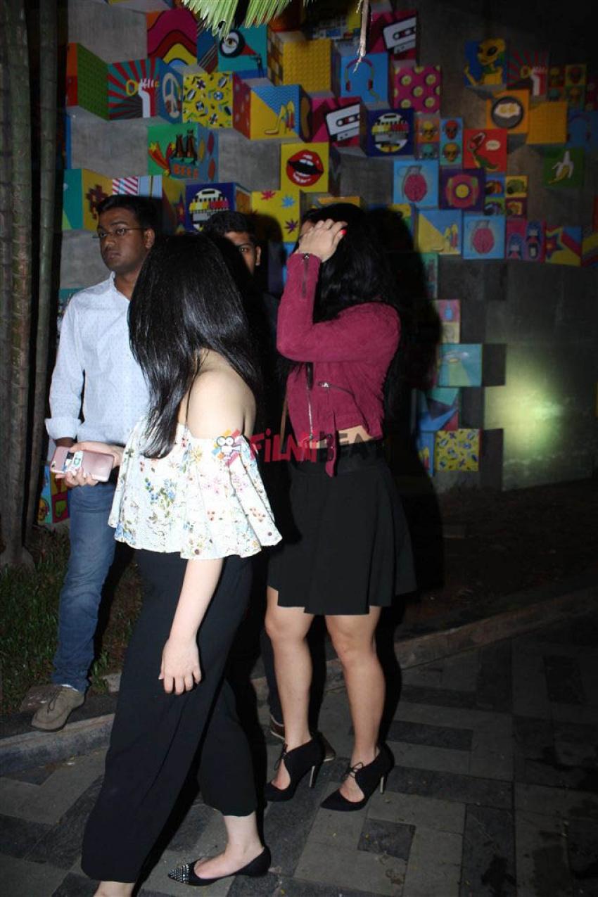 Krishna Shroff Spotted At Bandra Photos