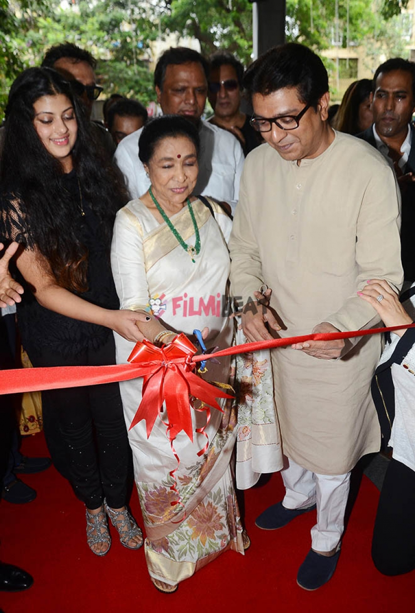 Star-Studded Launch Of Asha Bhosle's Granddaughter Zanai Bhosle's iAzure Store In Hill Road Photos