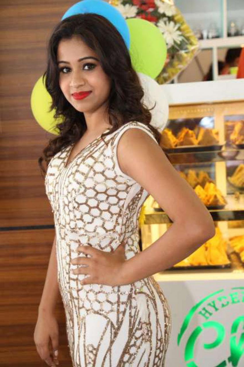 Celebs at Hyderabadi Chai Adda Launch Photos