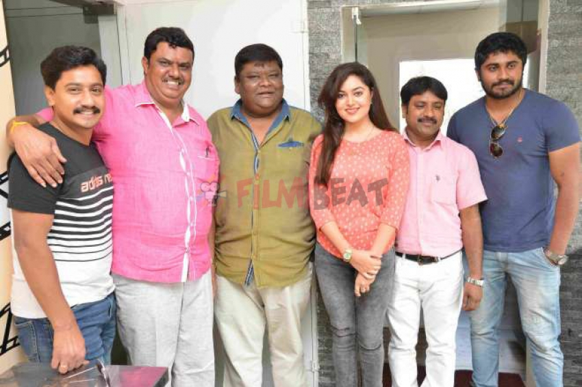 Nan Magale Heroin Movie Press Meet Photos