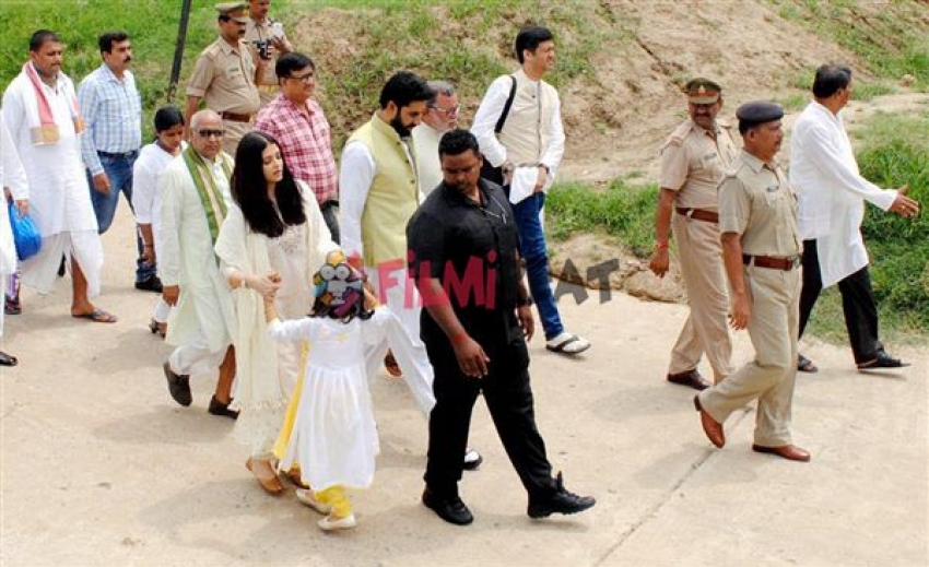 Aishawarya Rai At Allahabad To Immerse Her Late Father's Ashes Photos