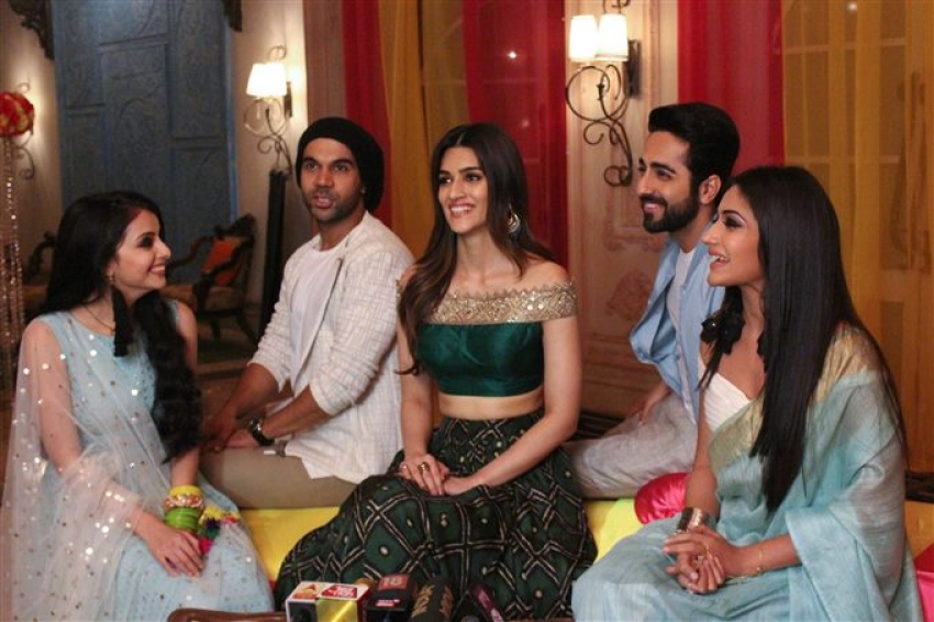 Bareilly Ki Barfi Team On The Sets Of Isqhbaaz