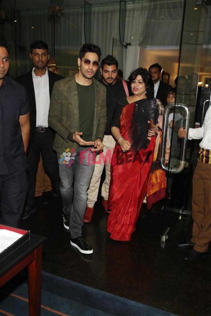 Jacqueline Fernandez And Siddharth Malhotra Promote A Gentleman In New Delhi Photos