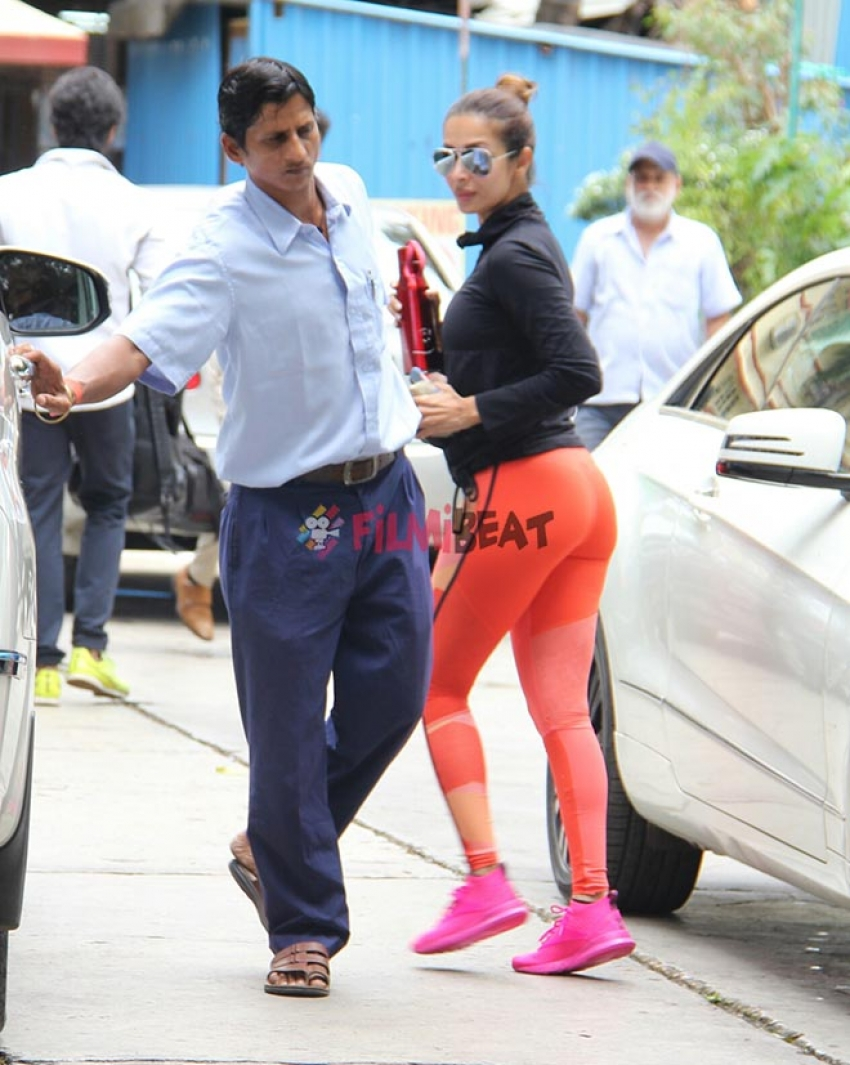 Malaika Arora Khan &  Shahid Kapoor Spotted At Gym In Bandra Photos