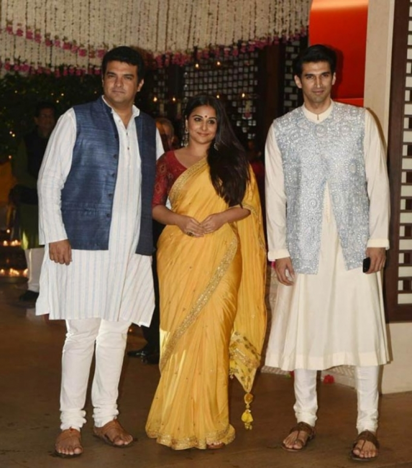 Mukesh Ambani's Ganesh Chaturthi 2017 Party Photos