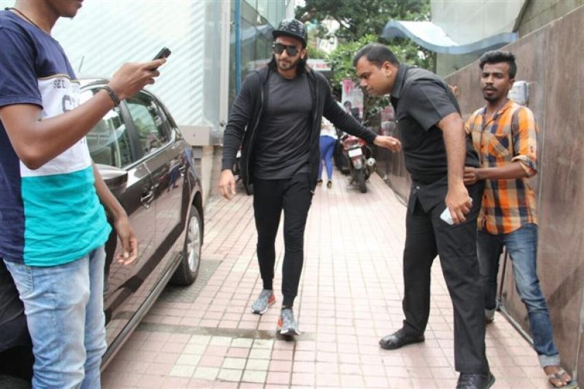 Ranveer Singh Spotted At Akro Gym Khar Photos