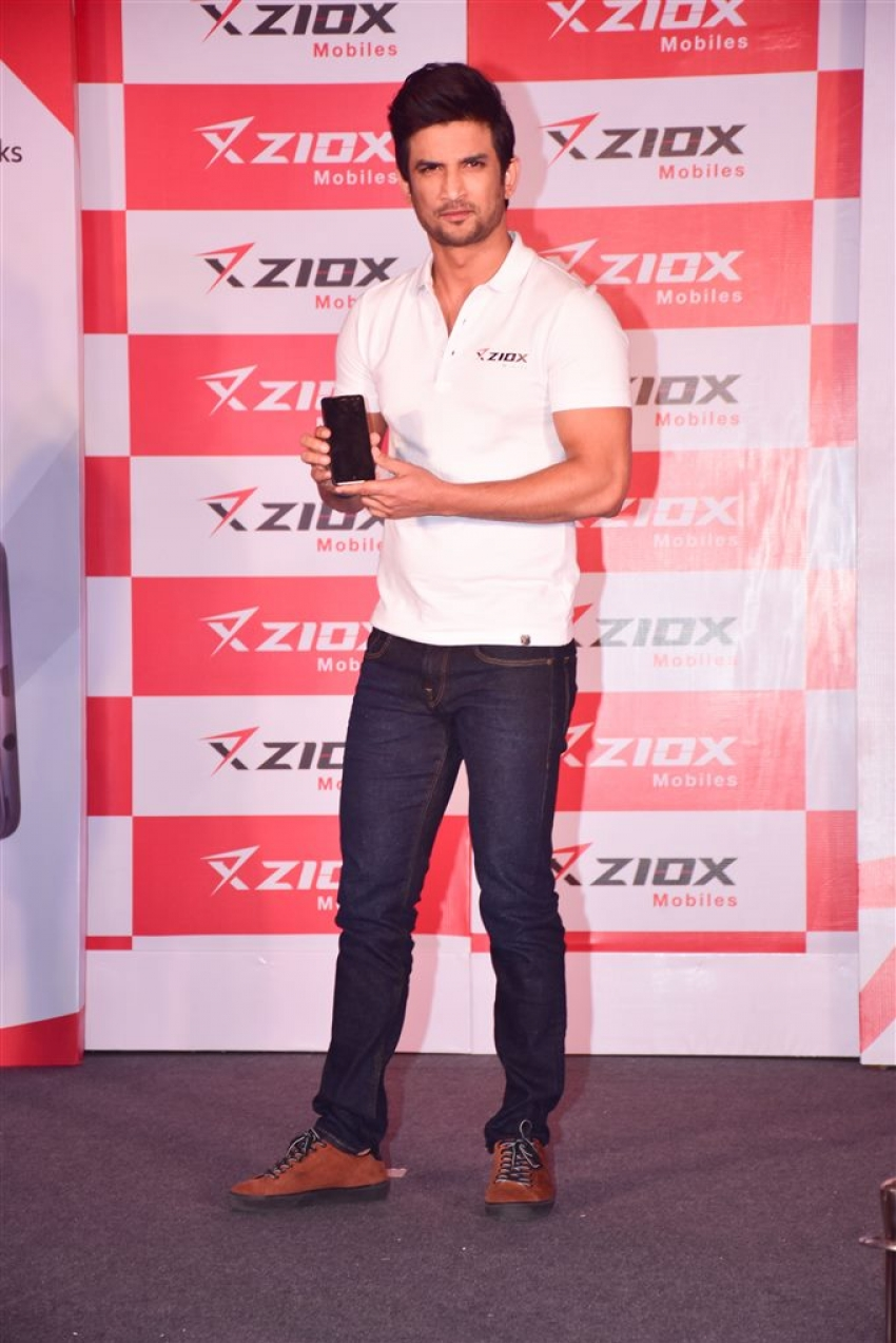 Sushant Singh Rajput At Ziox Mobile Launch Photos