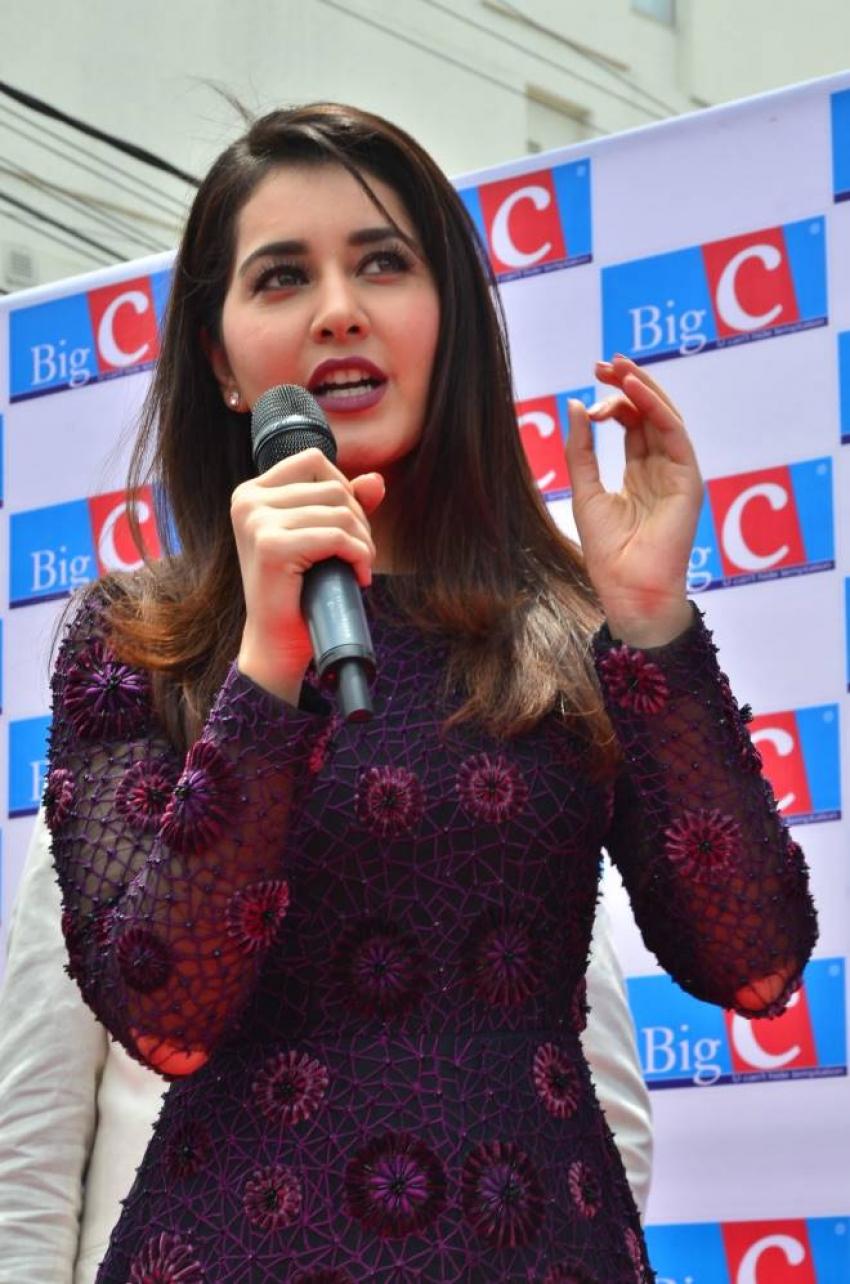 Raashi Khanna Launches BigC Mobiles Store Photos