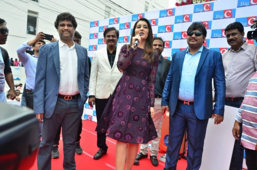 Raashi Khanna Launches BigC Mobiles Store Photos