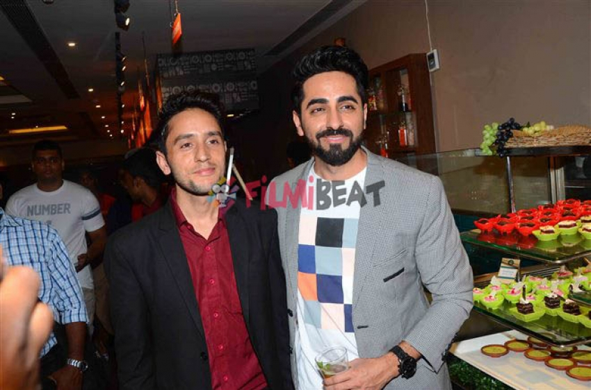 Ayushmann Khurrana Celebrate The Success Of  Shubh Mangal Saavdhan With Media Photos