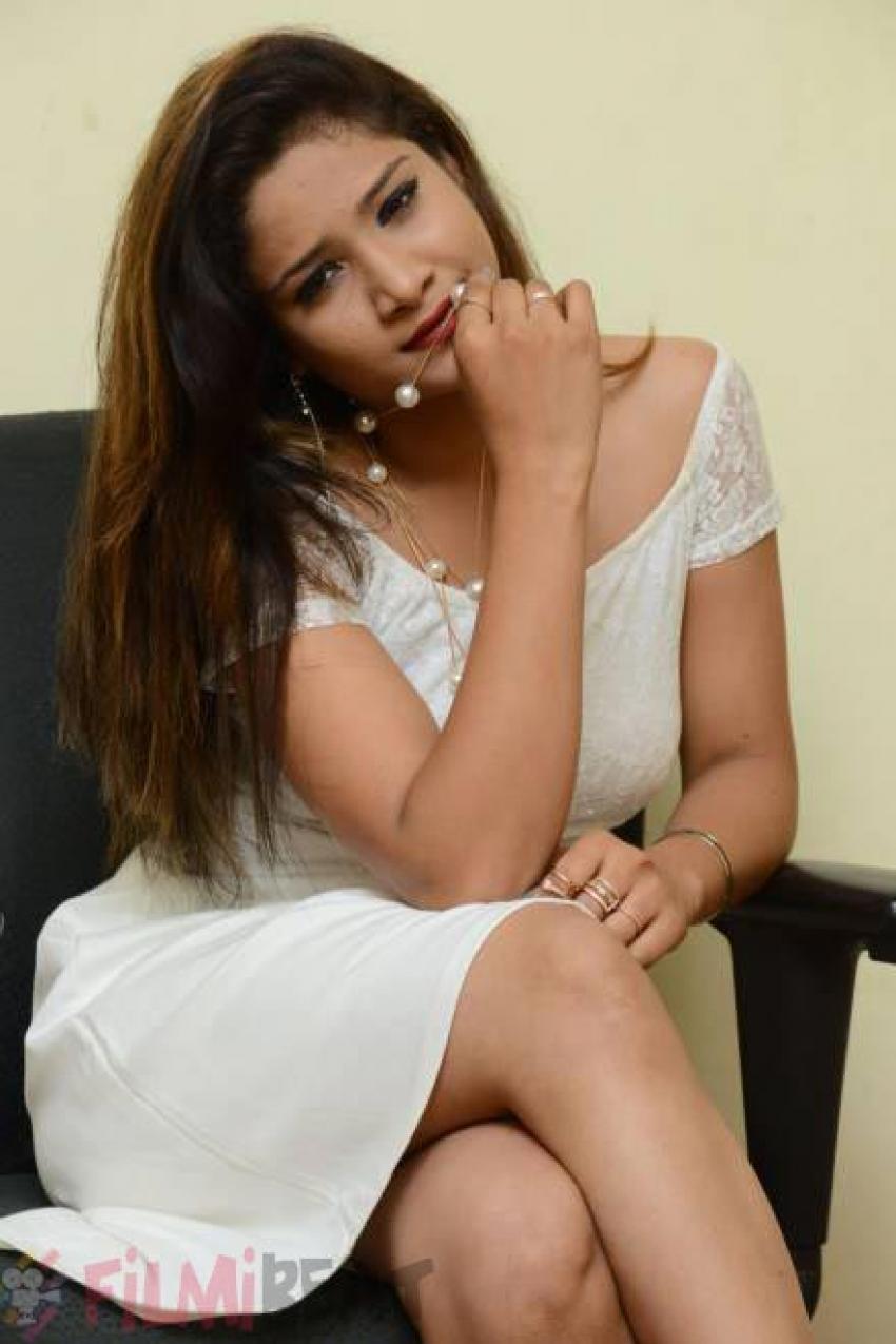 Aarthi Photos