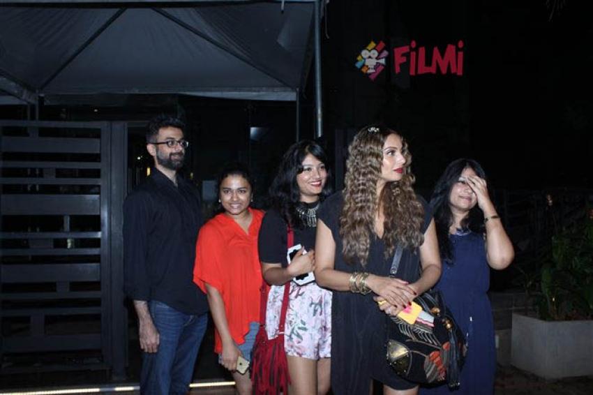 Bipasha Basu Spotted At BKC Bandra Photos