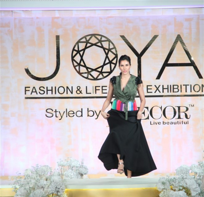 Bollywood Celebs At Joya Fashion Show Photos