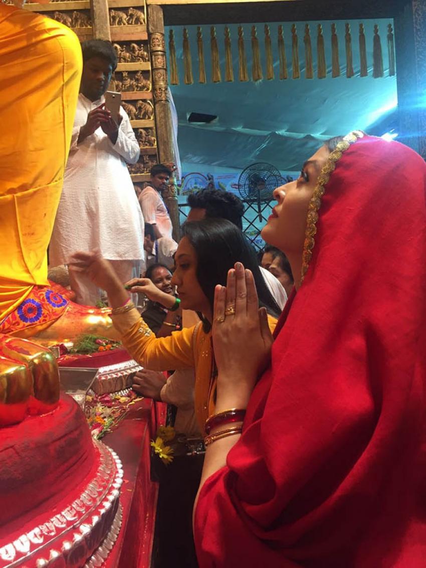 Celebs Seek Blessings Of Lalbaughcha Raja Photos