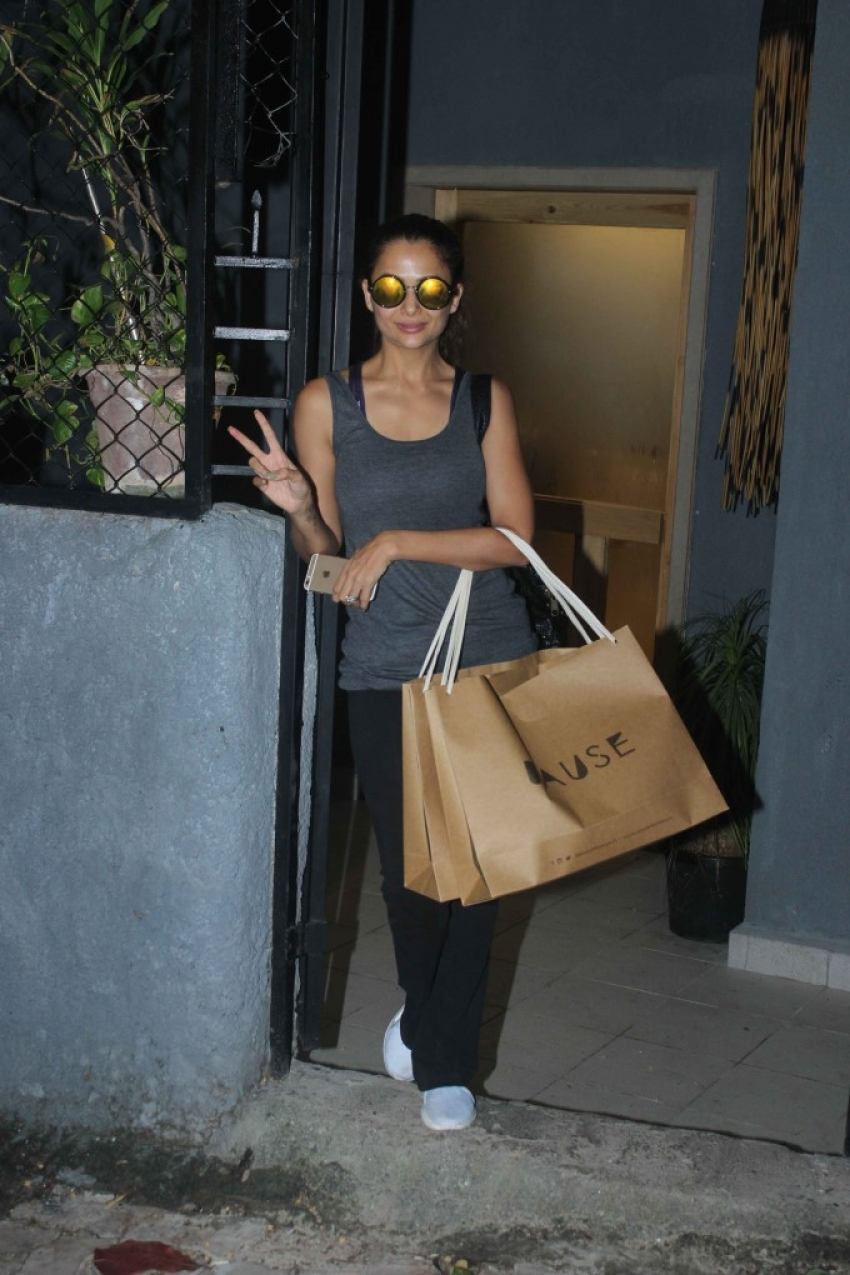 Celebs Snapped At Mumbai