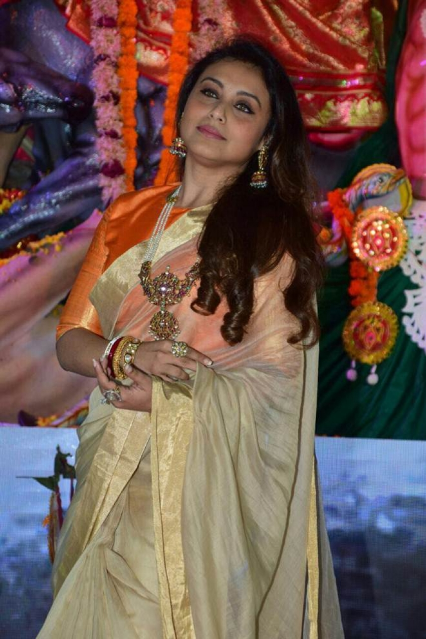 Celebs Spotted At Durga Pooja 2017 In Mumbai Photos