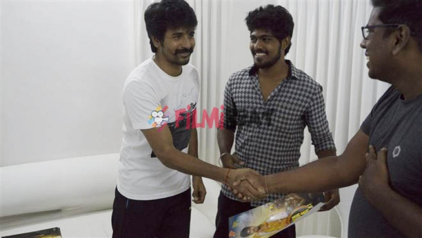 Dha Dha 87 Movie Team Met Actor Siva Karthikeyan Photos