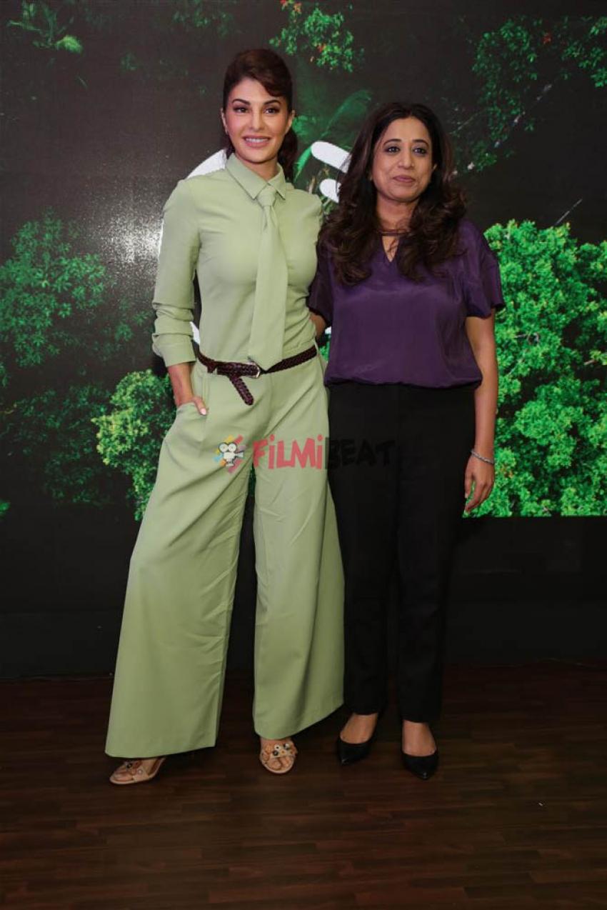Jacqueline Fernandez At Body Shop Event In New Delhi Photos