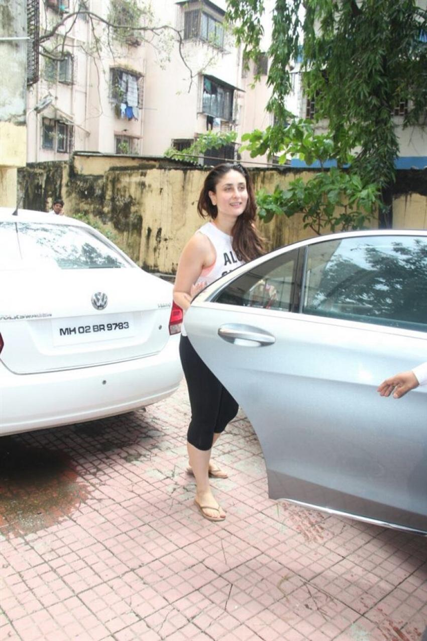 Kareena Kapoor Spotted On Her Birthday In Mumbai Photos