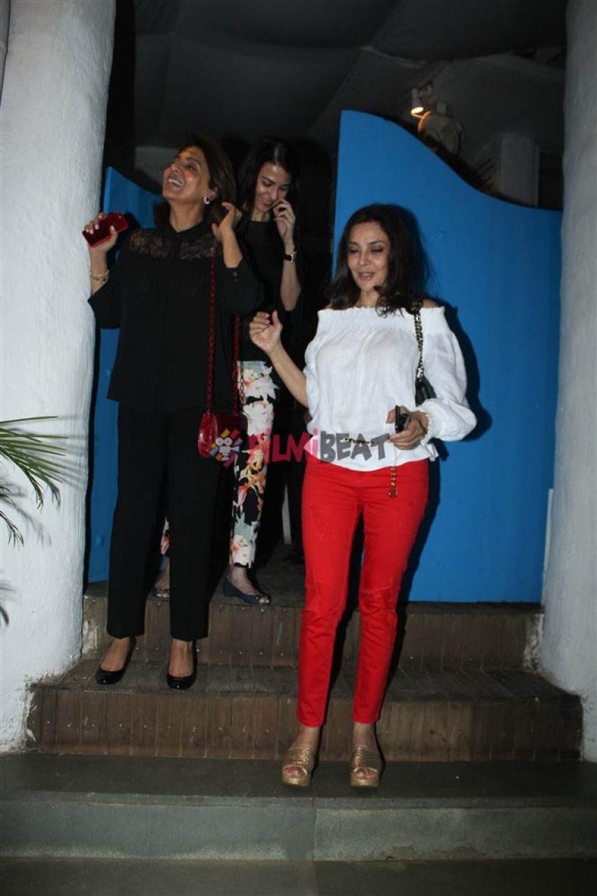 Neetu Kapoor Spotted At Olive Bandra Photos