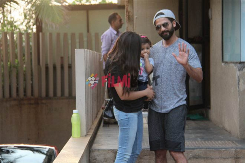 Shahid Kapoor & Mirja Spotted With Misha At Khar Photos
