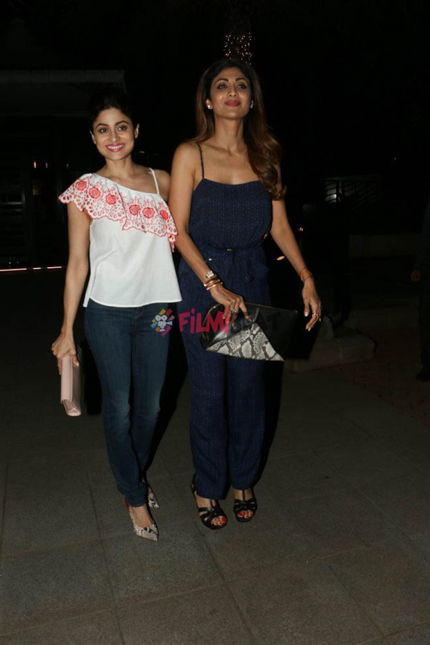 Shilpa Shetty With Friends Spotted At Yatucha Photos