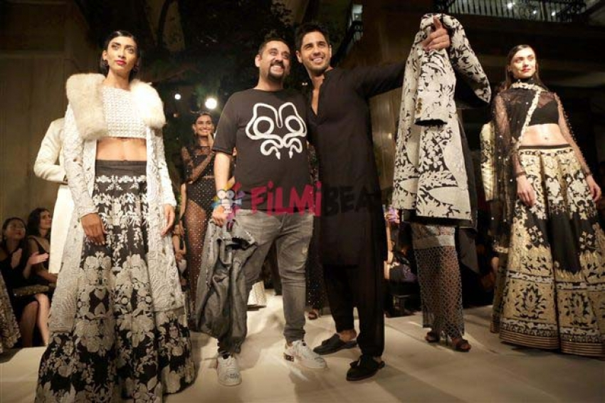 Sidharth Malhotra Walked The Ramp For Designer Siddharth Tytler Photos