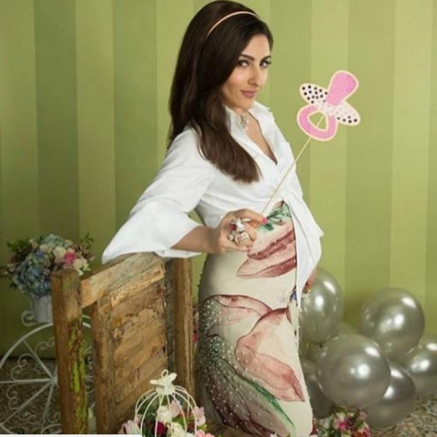 Soha Ali Khan's Latest Pregnancy Photo Shoot Is Cute Photos