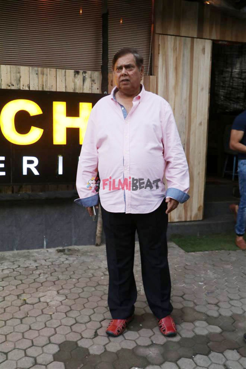 Varun Dhawan And David Dhawan Spotted At Khar Photos