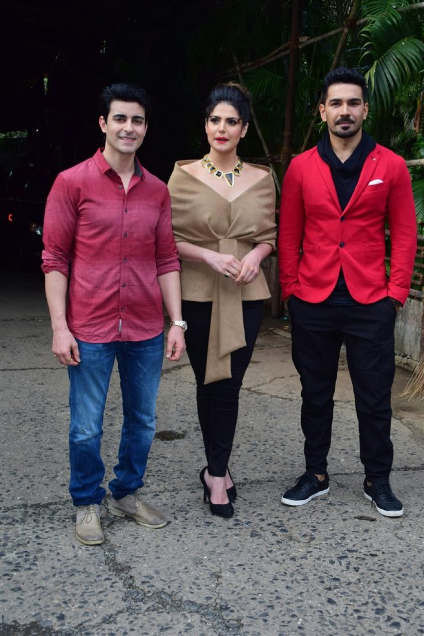 Zarine Khan At Comedy Dangal Show Photos