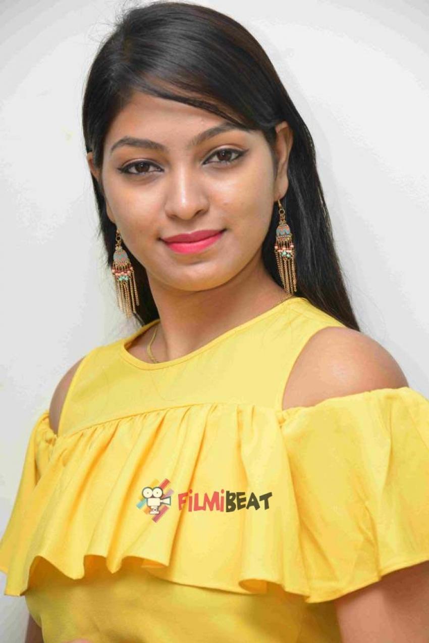 Sushmitha Gowda Photos