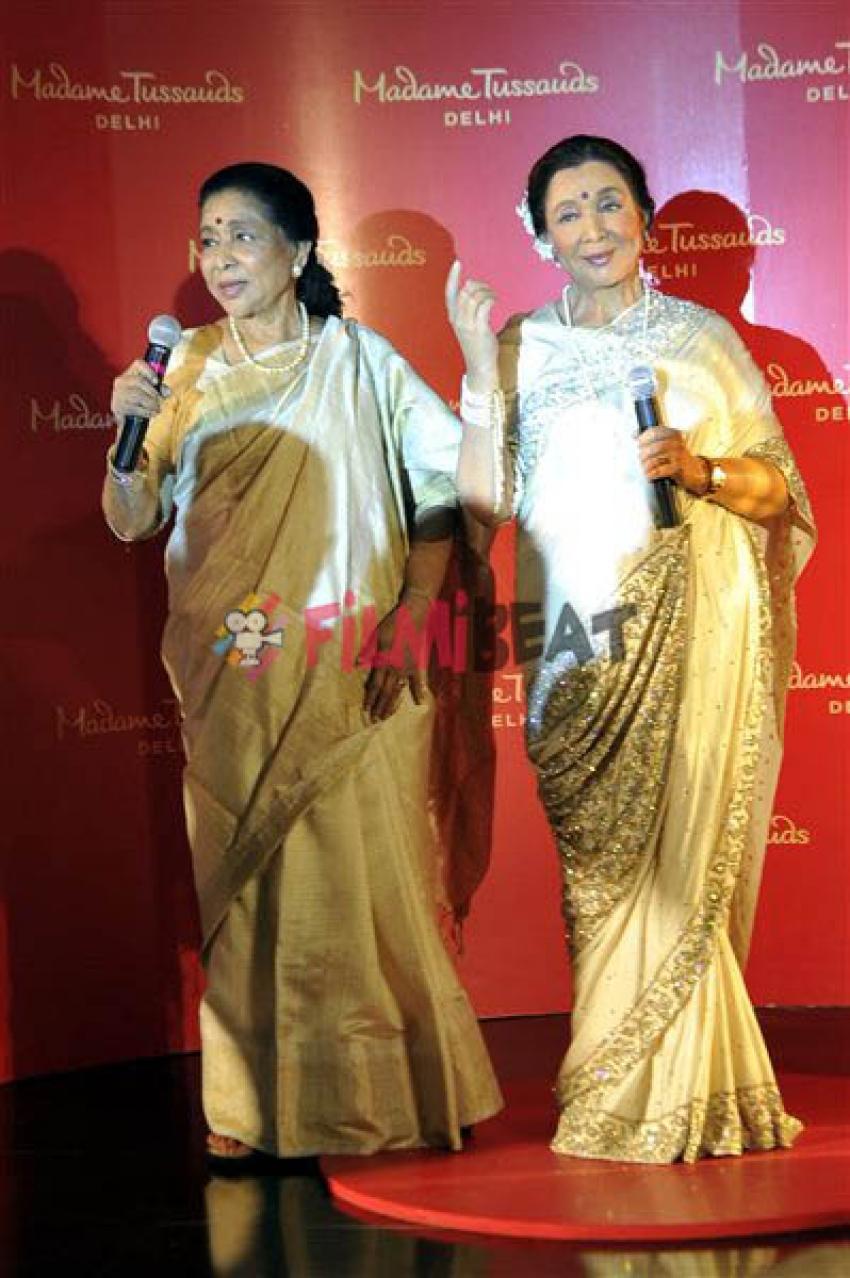 Asha Bhosle Unveiling Asha Bhosle Madame Tussauds In New Delhi Photos