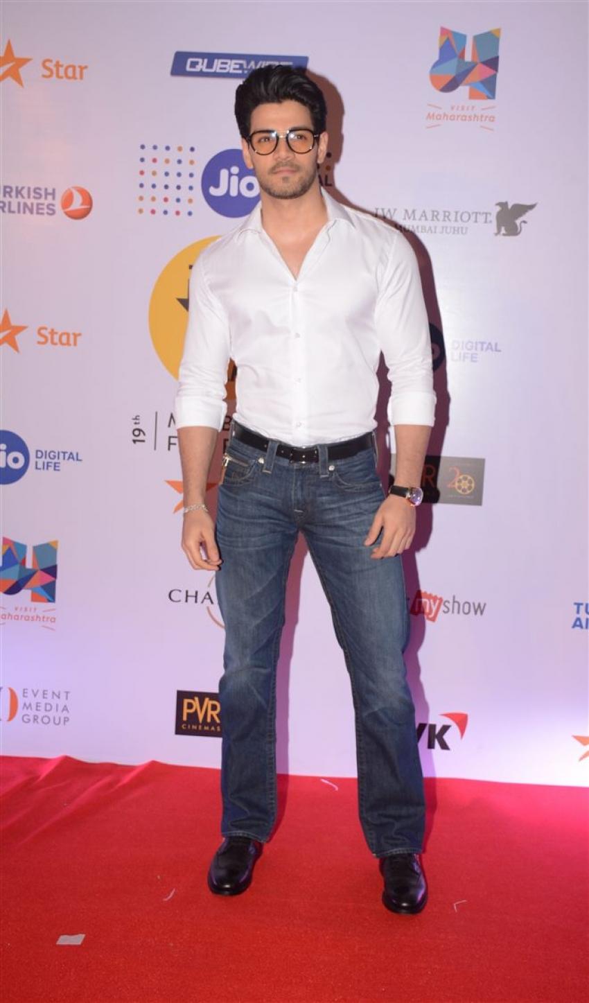 Bollywood Celebs Grace MAMI 19th Mumbai Film Festival In Style Photos