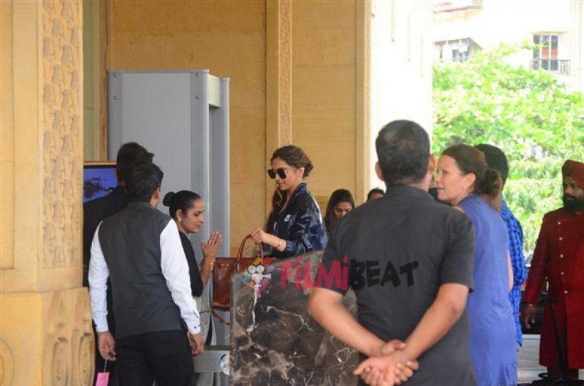 Deepika Padukone Spotted At JW Marriott Photos