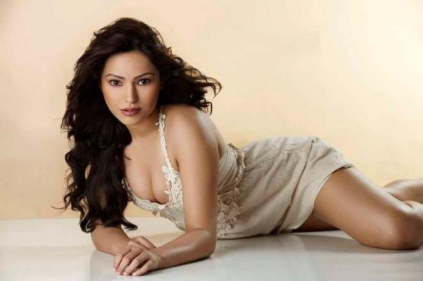 Devshi Khanduri Hot Photos