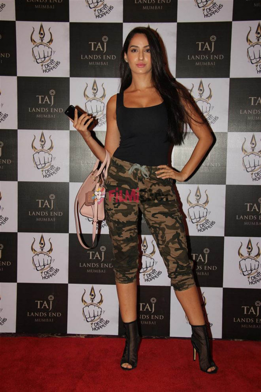 Launch Of Bolly fit With Shanttanu Maheshweri And Desi Hoppers Photos
